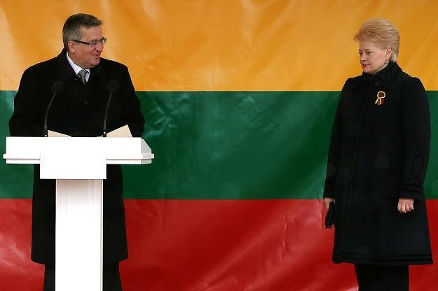 Bronisław Komorowski (L), prezydent RP i Dalia Grybauskaite, prezydent Litwy /AFP