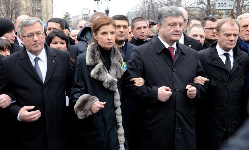 Bronisław Komorowski (L), prezydent Ukrainy Petro Poroszenko (2P) z żoną Maryną (2L) i przewodniczący Rady Europejskiej Donald Tusk. /Jacek Turczyk /PAP
