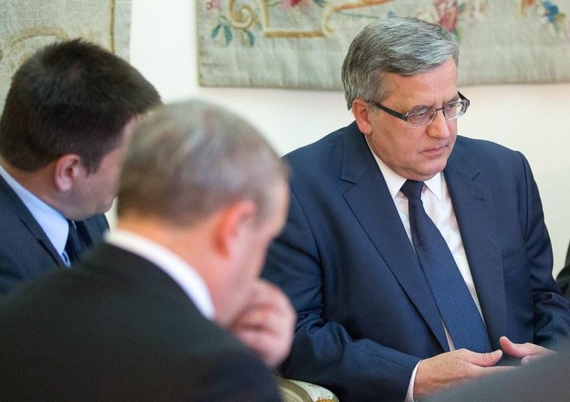 Bronisław Komorowski obecnie poważnie zastanawia się nad dalszą karierą polityczną /Andrzej Iwańczuk /Reporter