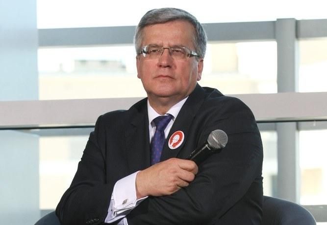Bronisław Komorowski pod urokiem PiS? /Michał Dyjuk /Reporter