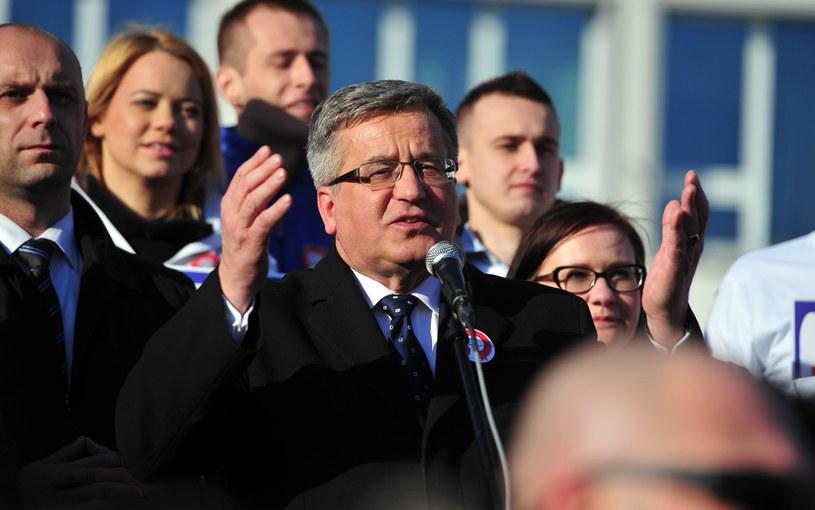 Bronisław Komorowski podczas spotkania z mieszkańcami Koszalina /Marcin Bielecki /PAP