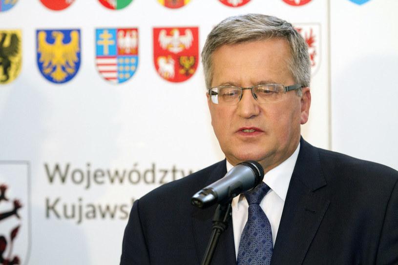 Bronisław Komorowski przemawia w Toruniu /Adam Wysocki /East News