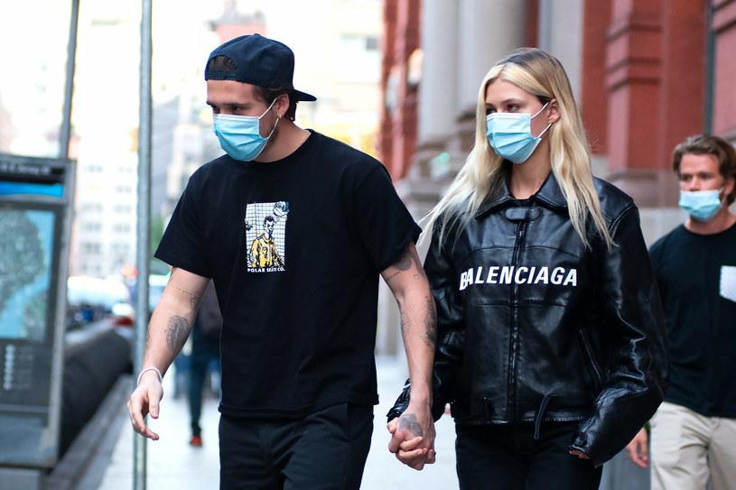 Brooklyn jest szaleńczo zakochany w swojej pięknej narzeczonej /    Janet Mayer / SplashNews.com /East News