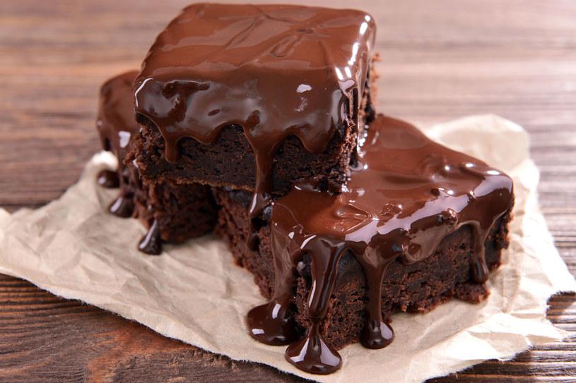 Brownie to wybitne w smaku czekoladowe ciasto /123RF/PICSEL
