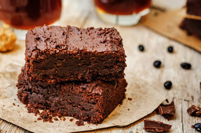 Brownie z czarnej fasoli /123RF/PICSEL