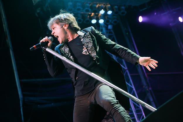 Bruce Dickinson (Iron Maiden) podczas konertu w Poznaniu /fot. Bartosz Nowicki