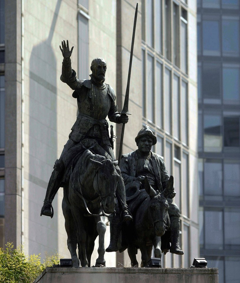 Bruksela – pomnik Don Kichota i Sancho Pansy /Kamil Gozdan /