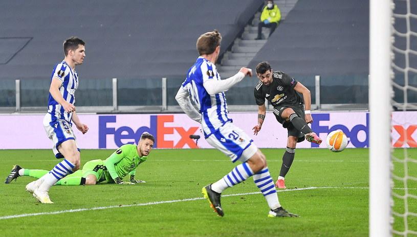 Bruno Fernandes strzela gola na 1-0 /ALESSANDRO DI MARCO  /PAP