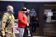 Brutalne zabójstwo starszego małżeństwa na Grochowie. Osiem osób z zarzutami
