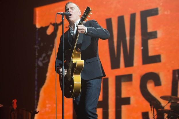 """Bryan Adams podczas koncertu na Wembley w lutym tego roku w ramach trasy """"Shine A Light"""" 2019 Tour. /Justin Ng /PAP/Photoshot"""