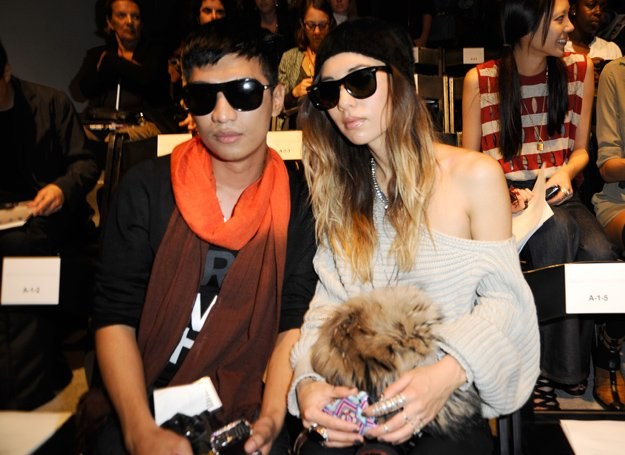 Bryanboy i Rumi Neely na pokazie podczas Mercedes-Benz Fashion Week /Getty Images/Flash Press Media