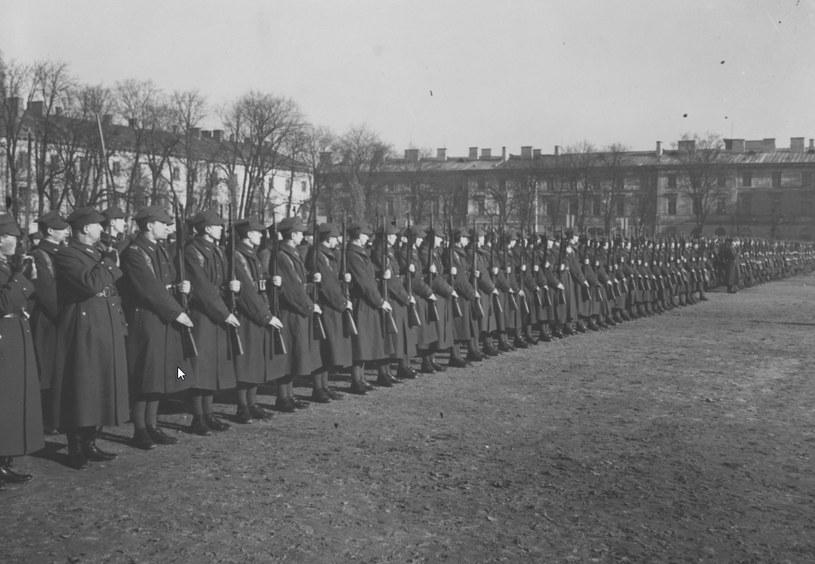 Brygada Obrony Narodowej w Warszawie /Z archiwum Narodowego Archiwum Cyfrowego