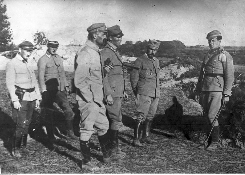 Brygadier Józef Piłsudski, pułkownik Andrzej Galica, pułkownik Leon Berbecki, i porucznik Bolesław Wieniawa-Długoszowski. Zdjęcie z 1914 roku /Z archiwum Narodowego Archiwum Cyfrowego