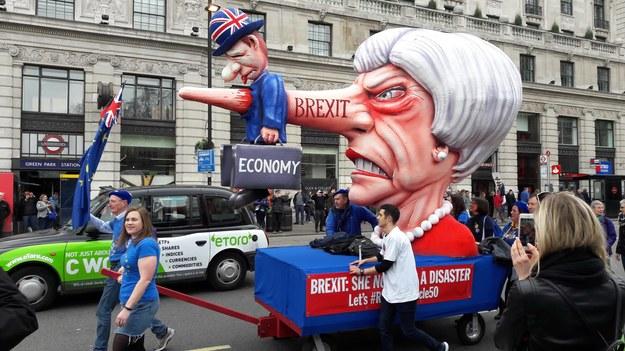 Brytyjczycy domagają się drugiego referendum ws. brexitu /Bogdan Frymorgen /RMF FM