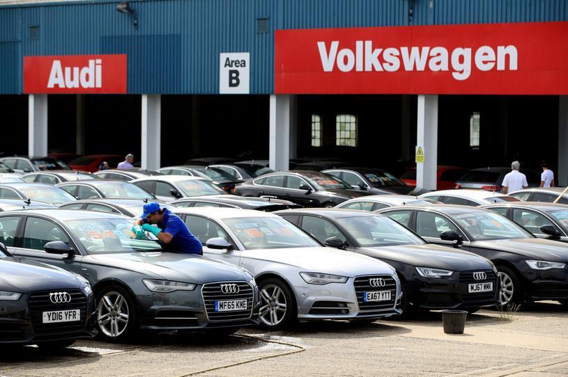 Brytyjczycy masowo kupują używane auta /Getty Images