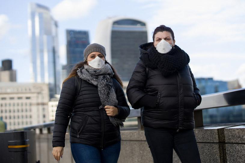 Brytyjczycy na ulicach Londynu /AFP