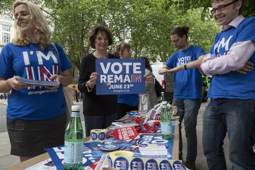 Brytyjczycy podejmą dziś decyzję o pozostaniu lub opuszczeniu UE /HAYOUNG JEON /PAP/EPA