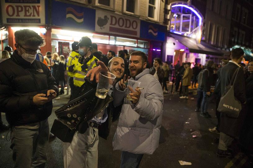 Brytyjczycy świętują pierwszy weekend z otwartymi pubami /Marcin Nowak / Zuma Press /Agencja FORUM