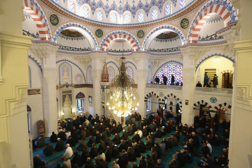 Brytyjscy muzułmanie zapraszają do meczetów. Zdj. ilustracyjne /Getty Images