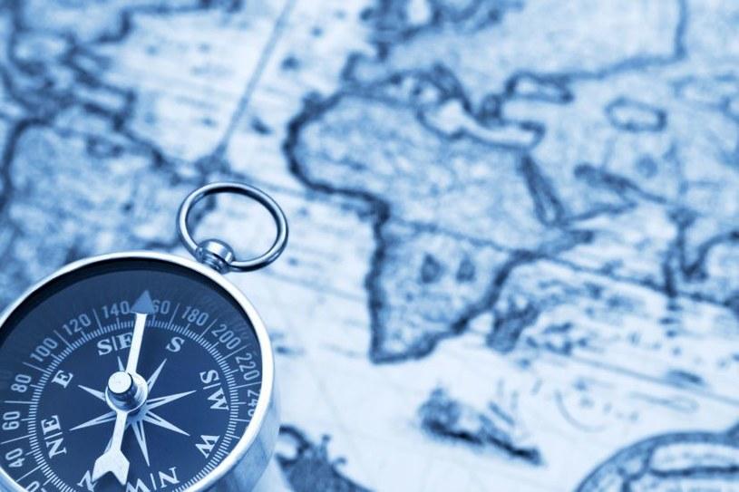 Brytyjscy naukowcy chcą stworzyć kwantowy kompas /123RF/PICSEL