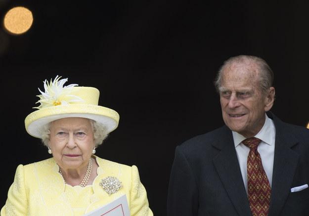 Brytyjska królowa Elżbieta II i jej mąż, książę Filip /FACUNDO ARRIZABALAGA /PAP/EPA