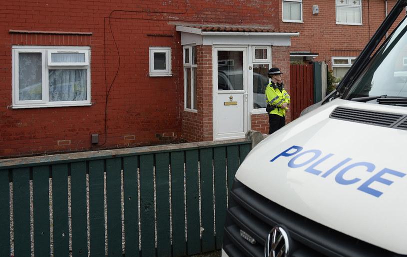 Brytyjska policja prowadzi śledztwo w sprawie siatki terrorystycznej zaangażowanej w zamach /Oli Scarff /AFP