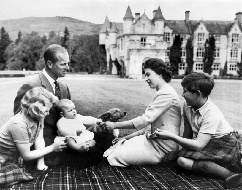 Brytyjska rodzina królewska w 1960 roku /AFP