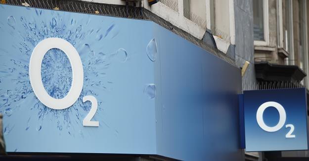 Brytyjska sieć komórkowa O2 - awaria spowodowana usterką techniczną /EPA
