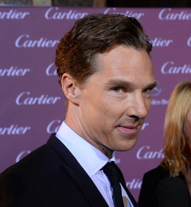 """Brytyjski aktor nominowany jest do Oskara za główną rolę w filmie """"Gra tajemnic"""" / JIM RUYMEN    /PAP/EPA"""