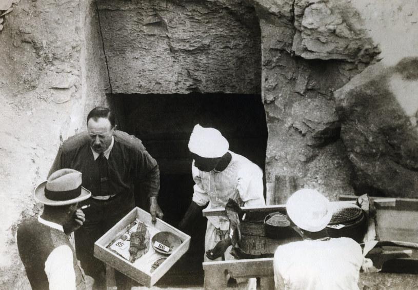 Brytyjski archeolog, Howard Carter, odkrył grobowiec Tutenchamona w Dolinie Królów w 1922 roku /George Rinhart/Corbis  /Getty Images