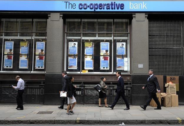 Brytyjski Co-operative Bank (5 mln klientów) zmniejszy sieć oddziałów o 15 procent /EPA