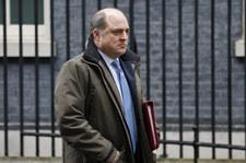 Brytyjski minister obrony: Rosyjskie okręty okrążają wybrzeże kraju
