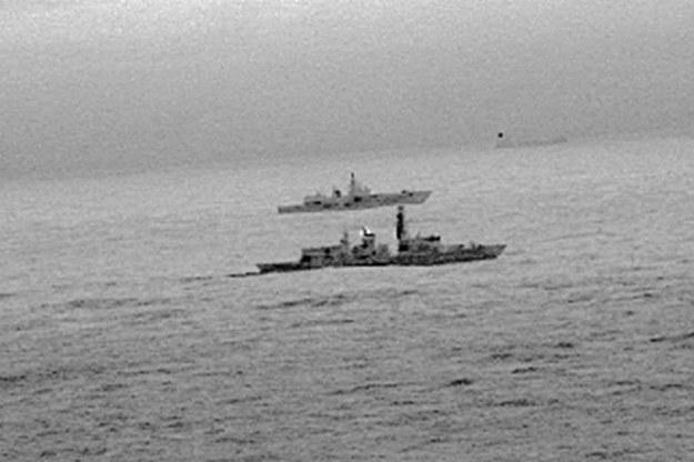 Brytyjski okręt St Albans eskortujący rosyjską fregatę Admirał Gorszkow /ROYAL NAVY HANDOUT /PAP/EPA