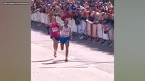 Brzydki gest Jurija Czeczuna na mecie maratonu. Wideo