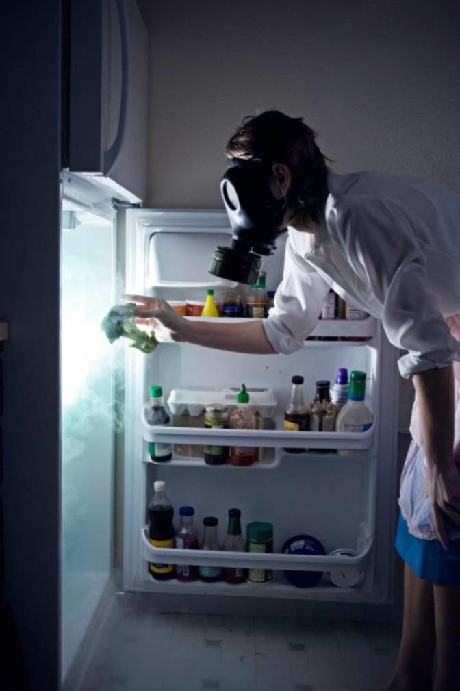 brzydki zapach z lodówki /© Photogenica
