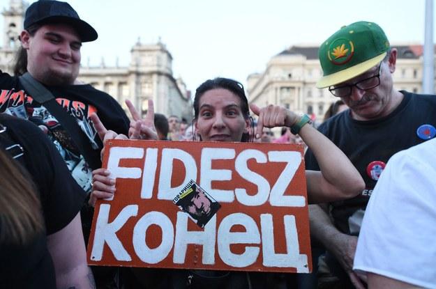 Budapeszt - manifestacja przeciwko Fidesz, 14 kwietnia br. /AFP