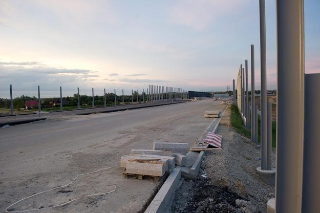 Budowa A4 na wschód od Krakowa idzie jak po grudzie / Fot: Tadeusz Koniarz /Reporter