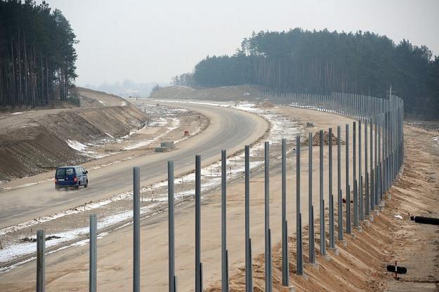 Budowa autostrady A1. Odcinek ma być gotowy do końca 2011 roku. Fot: Wojciech Stróżyk /Reporter