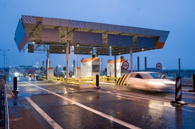 Budowa bramek na autostradzie A4 koło Gliwic /East News