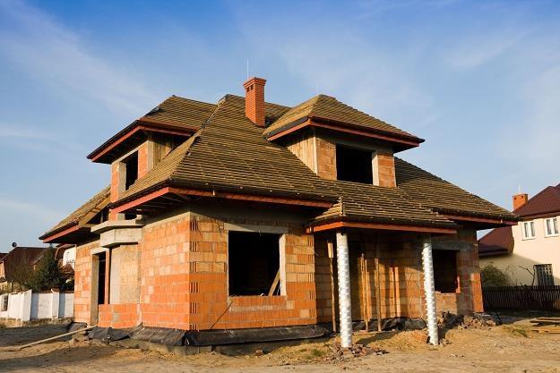 Budowa domu wolnostojącego nie musi być poprzedzona uzyskaniem pozwolenia na budowę /©123RF/PICSEL