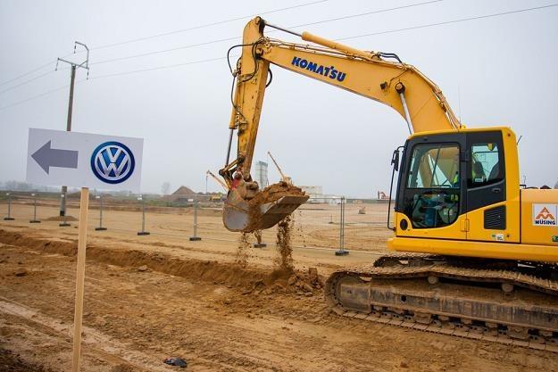 Budowa fabryki VW koło Wrześni w WSSE. Fot. Jakub Walasek /Reporter