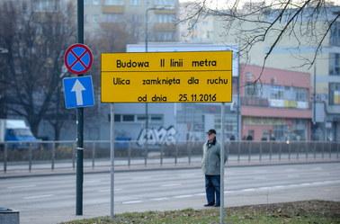 Budowa kluczowej stacji warszawskiego metra wstrzymana