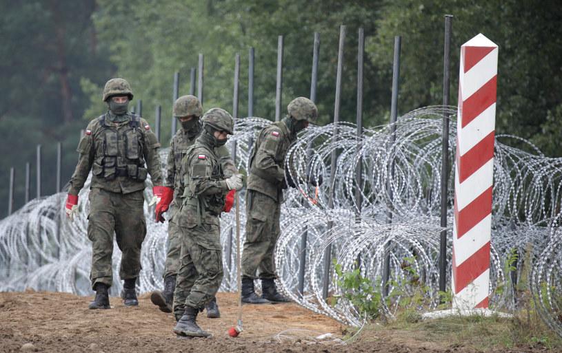 Budowa ogrodzenia na granicy polsko-białoruskiej /Jakub Kaminski/East News /East News