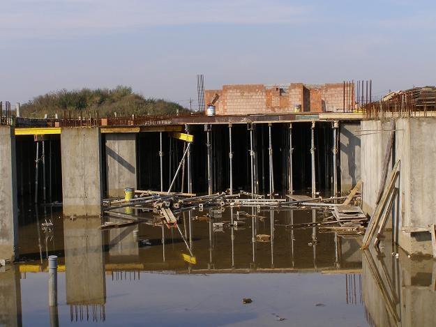 Budowa osiedla mieszkaniowego Żubr w miejscowości Podłęże koło Niepołomic /RMF