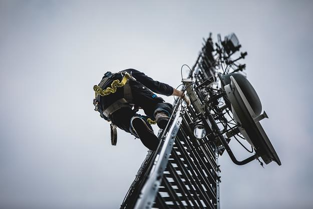 Budowa sieci 5G wymaga zmiany norm promieniowania? /©123RF/PICSEL