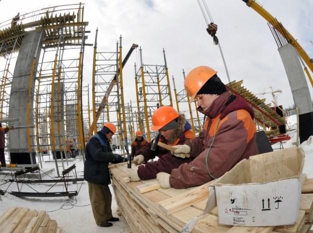 Budowa stadionu we Lwowie ma spore opóźnienia /AFP