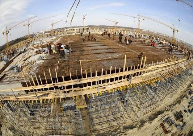 Budowa stadionu we Lwowie /AFP