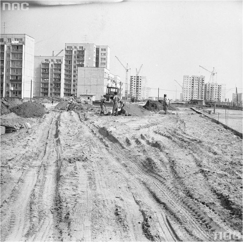 Budowa Ursynowa z czasem stała się antyprzykładem organizacji pracy /Narodowe Archiwum Cyfrowe /INTERIA.PL