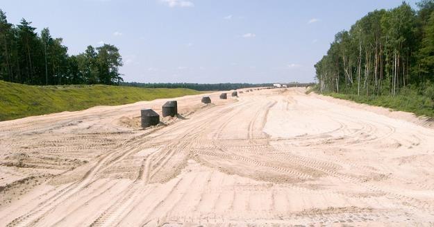 Budowa wielu dróg w Polsce idzie z problemami / Fot: Andrzej Zbraniecki /East News