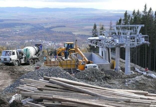 Budowa wyciągu w Tatrzańskiej Łomnicy, zdjęcie z 2008 roku.  /Jan Latała /RMF FM